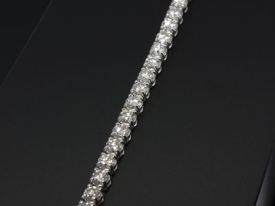 18kt White Gold Claw Set Round Brilliant Cut Diamond Tennis Bracelet 5.84ct (46) F Colour, SI1 Clarity Minimum