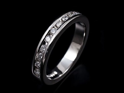 Ladies Platinum Channel Set Diamond Wedding / Eternity Ring. 11 x 0.03ct F VS Round Brilliant Diamonds