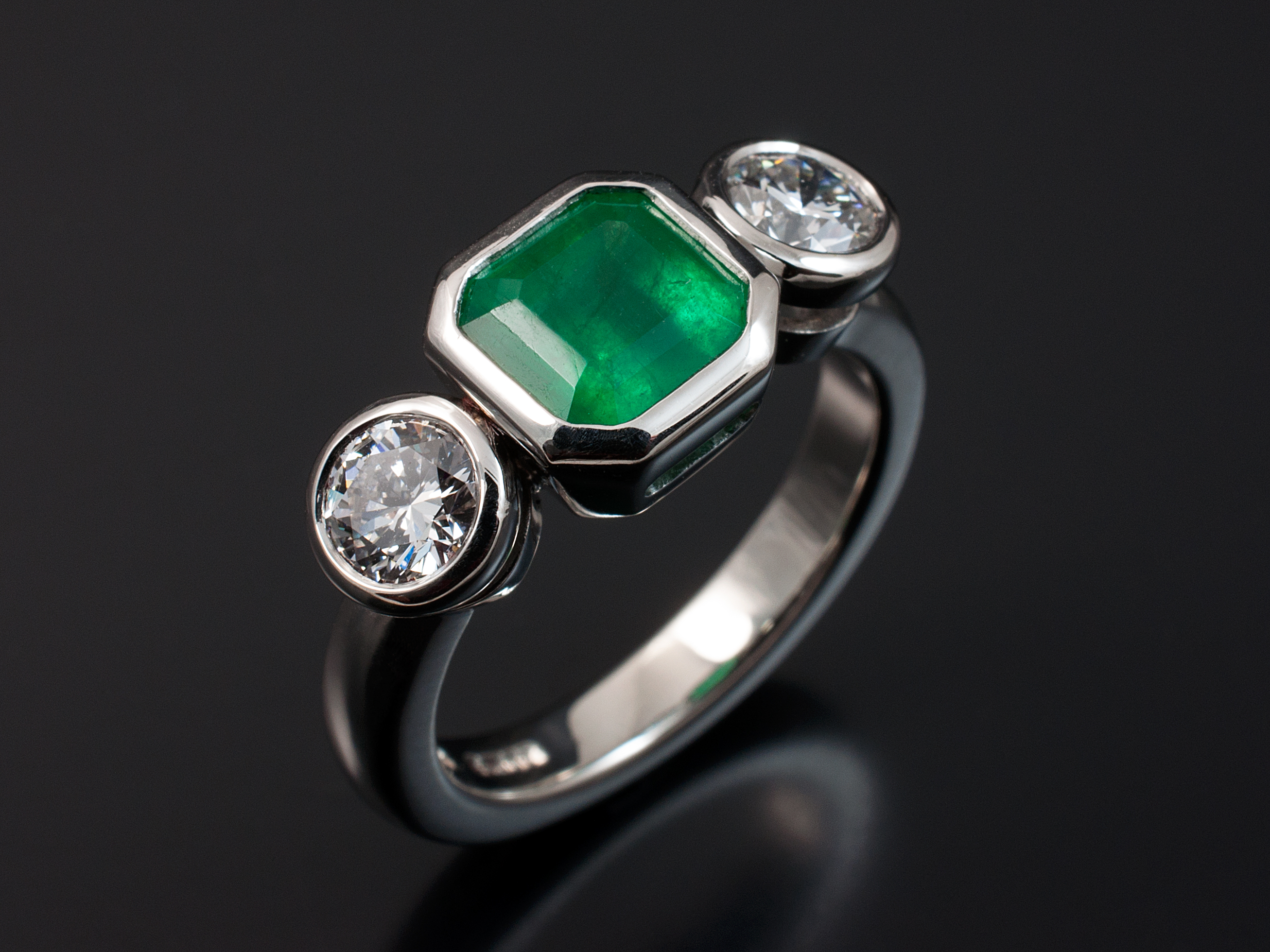 x gallery and g white carat asscher diamonds with diamond engagement an round setting rub emerald over rings in brilliant gold cut