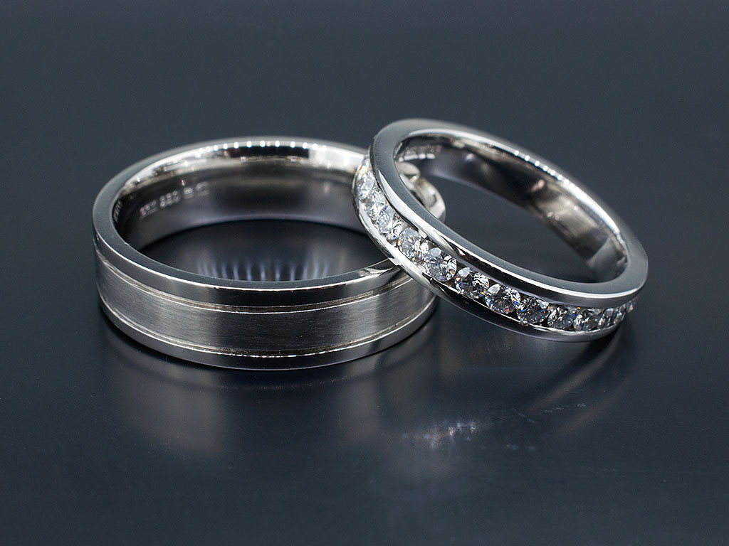 pinstripe bands finish in polished platinum wedding center beveled high band pave white mwb gold edge satin