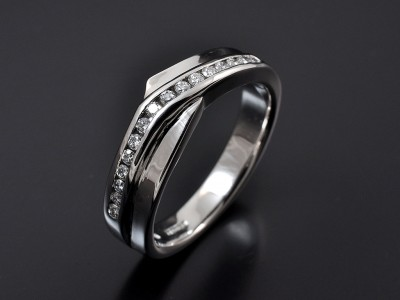 Round Brilliant Channel Set Fitted Twist Wedding Ring in 18kt White Gold