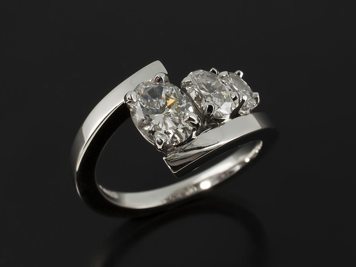 Oval Cut Diamond Engagement Rings Gallery