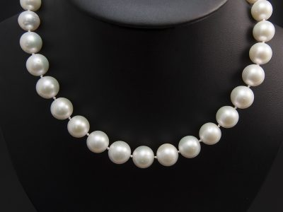 Silver Freshwater Round Ivory Pearl Strand