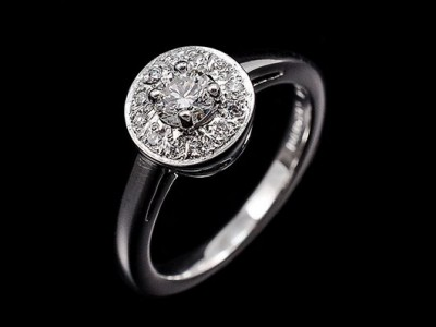 Round Brilliant 0.67ct Total Weight E Colour SI1 Clarity Pave Cluster 9kt White Gold Setting