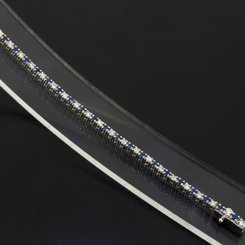 18kt white gold tennis bracelet, rouns brilliant cut diamond and sapphire bracelet, 1ct diamond bracelet, tennis bracelet in diamond and sapphire, sapphire bracelet with diamonds, tennis bracelet uk