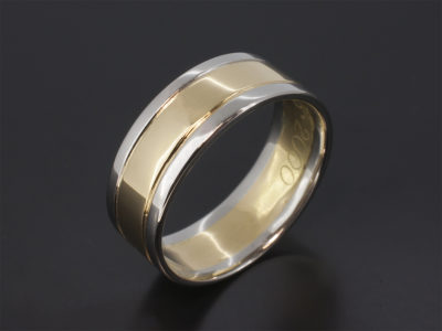 18kt Yellow Gold & Platinum Two Tone Design 8mm Gents Wedding Ring with Grooved Line Detail in a Polished Finish.