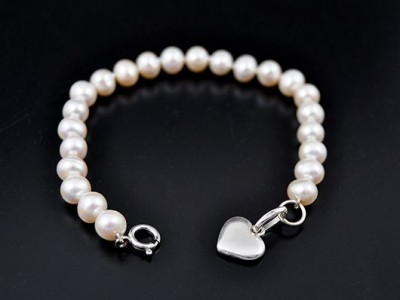 Fresh Water Pearl Bracelet with Sterling Silver Charm