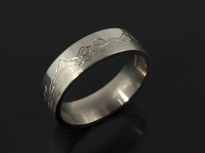 Gents 18kt White Gold Wedding Ring with Scottish Mountain Range Detail.