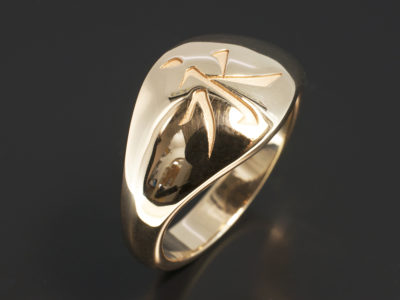 Gents 9kt Yellow Gold Signet Ring with Japanese Symbol.