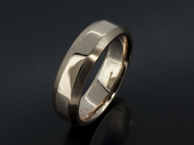 Gents 9kt Yellow Gold Chamfered Design Wedding Ring.