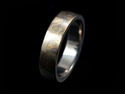 Mokume Gane Gents Wedding Ring in 18kt Yellow and White Gold