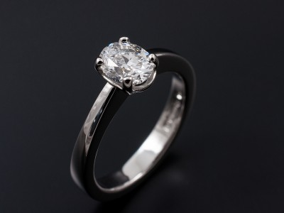 Oval Cut 0.91ct E VS2 in a Hand Made 4 Claw Platinum Setting