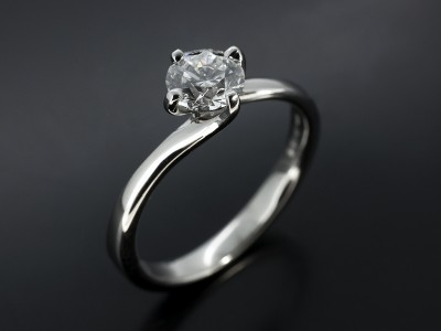 Round 0.51ct E SI1 in a 9kt White Gold Twist Setting.