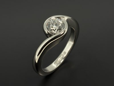 Round Brilliant Cut Diamond 0.91ct D Colour SI1 Clarity Set in Platinum in a Twist Tension Design