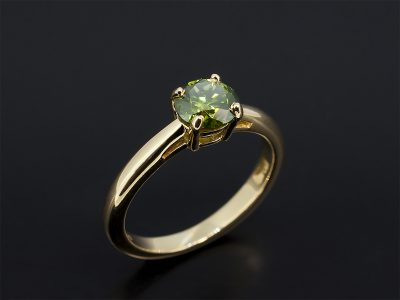 Round Brilliant Cut Green Diamond 0.91ct Claw Set in Yellow Gold In a Solitaire Design