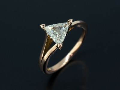 Trilliant 0.70ct G Colour SI1 Clarity in an 18kt Red Gold Split Band Design.