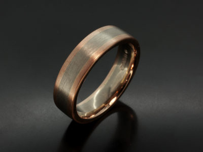 Gents 18kt White and Red Gold Two Tone Gents Wedding Ring. 7mm Width with Brushed / Matt Finish.