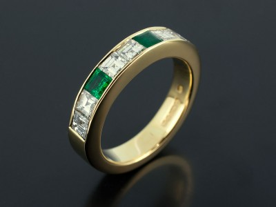 18kt Yellow Gold Diamond Carré Cut and Square Emerald Eternity Ring