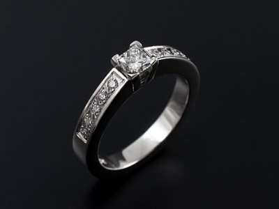 Princess Cut 0.40ct G VS2 in a Palladium Pave Set 4 Claw Setting