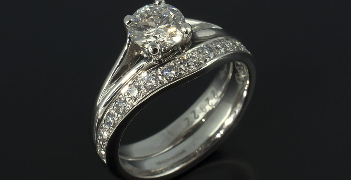 Ladies Plat Fitted Wedding ring glasgow 15 x 17. sized