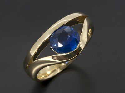 18kt Yellow Gold Round Sapphire 1.37ct Tension Set Ring Design