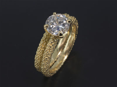 18kt Yellow Gold Reticulated pattern 4 Claw 'v' Shaped Dress Ring. Matching 18kt Yellow Gold Wedding Ring with 1.34ct Round Brilliant Cut Diamond.
