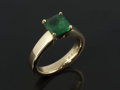 Asscher Cut Emerald 1.01ct Yellow Gold