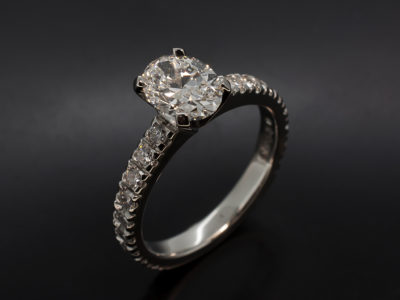 Oval Cut Diamond 1ct E Colour SI1 EXEX Platinum 4 Claw Castle Set
