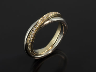 Platinum and 18kt Yellow Gold Russian Solid Wedding Ring with Pavé Set Round Brilliant Cut Diamonds