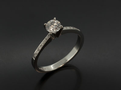Round Brilliant Cut Diamond 0.40ct D SI1 EXEXEX Platinum 4 Claw Pavè fine shoulders
