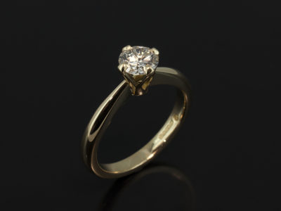 Round Brilliant 0.50ct F Colour VS2 Clarity in a 4 Claw 18kt Yellow Gold Tulip Style Setting