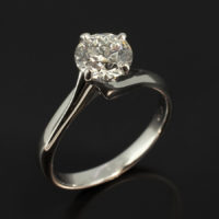 Round Brilliant Cut Diamond 1.52ct F VS2 in an 18kt White Gold 4 Claw Twist Setting