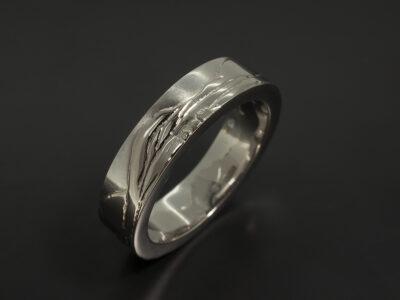 Scottish Mountain Design Gent's Wedding Ring in Platinum and 18kt White Gold, Ben Vorlich Detail