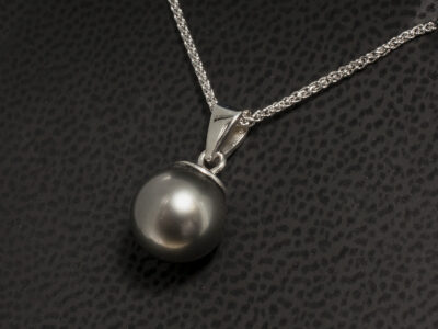 9kt White Gold Solitaire Pearl Drop Pendant, Tahitian Pearl with Single Bale, 9kt White Gold 18 Inch Spiga Chain